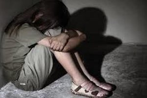 Tâm sự - Mẹ bán trinh tiết con gái 13 tuổi: Không đủ tư cách làm mẹ!