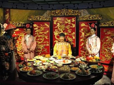 Tiết lộ sốc về cách Thái giám xử lý đồ ăn thừa của Hoàng đế Trung Hoa sau mỗi bữa ngự thiện