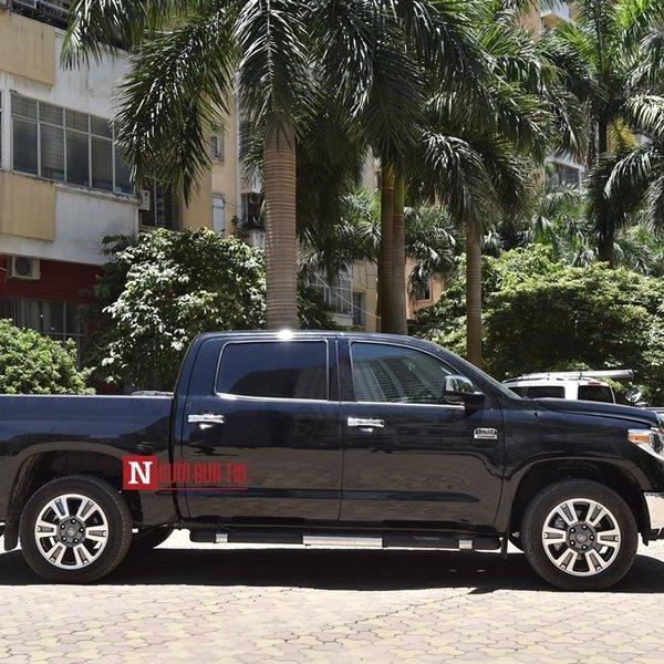 """Soi """"quái vật"""" bán tải Toyota Tundra 2018 độc nhất Việt Nam"""