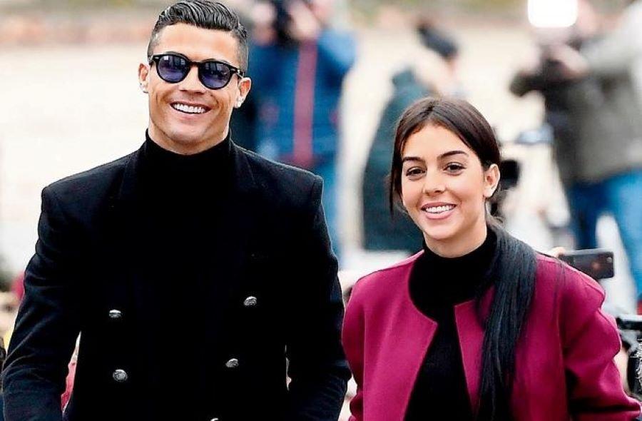 Vì sao Cristiano Ronaldo và bạn gái chưa kết hôn?